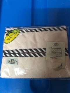 Brand new Naraya tissue pouch