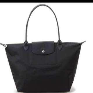 Longchamp 2605 medium size Long handle la pliage Neo black tote