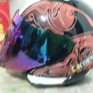 Corner helmet.