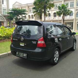 Nissan Grand Livina XV 1.5 2010 Matic..Tinggal GAS..