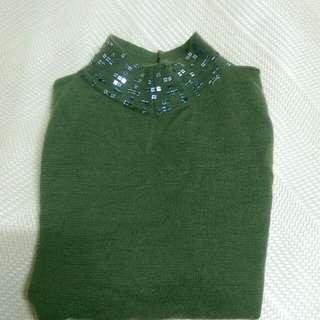 綠針織上衣