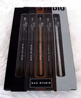 Max Studio Eyeliner
