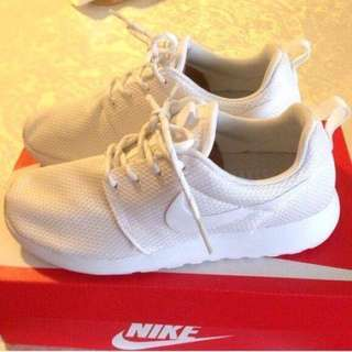 White Nike Roshes