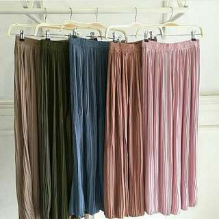 Catherine culottes (pleated pants) Price : $27.50 with complimentary normal mailing