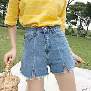 [PO] Front Slit Denim Shorts