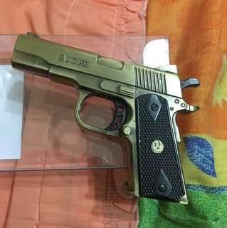 手槍造型打火機