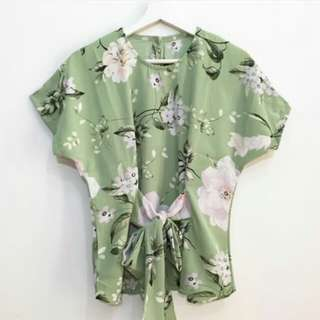 Flower front tied top