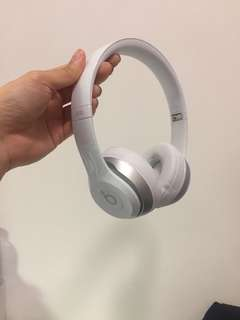 Beats solo 2 white (95%new)