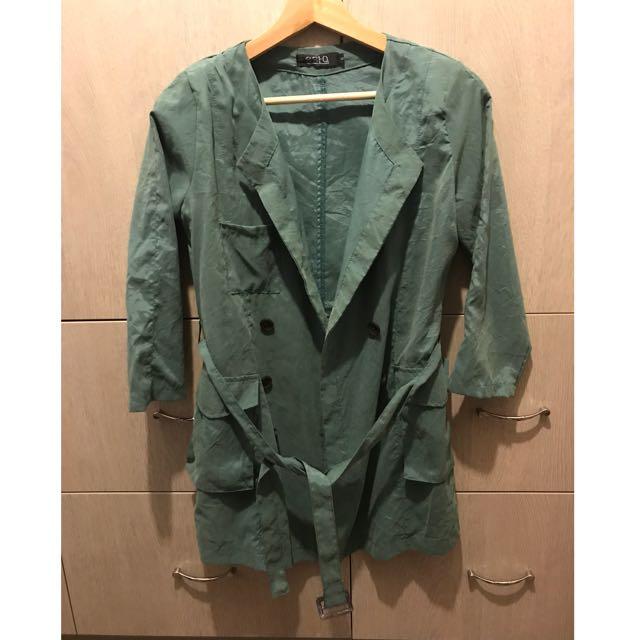 綠色 蜜桃紗風衣外套
