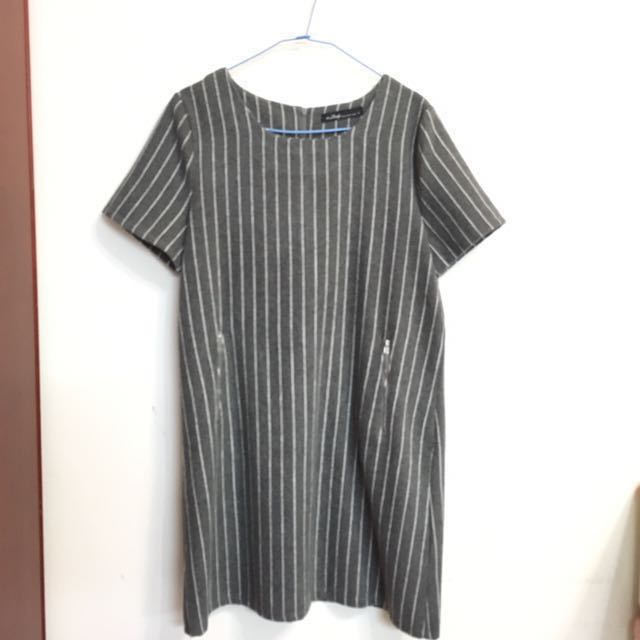 a lady 灰色毛呢直條紋洋裝 #新春八折