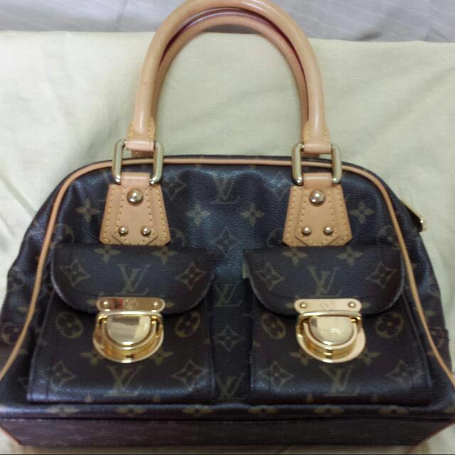 58e4f3d9030d Authentic Louis Vuitton M40026 Monogram Manhattan PM