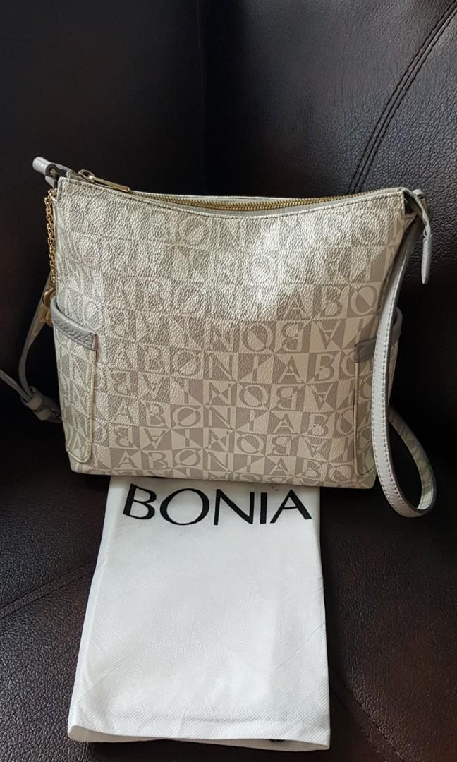 Bonia sling auth