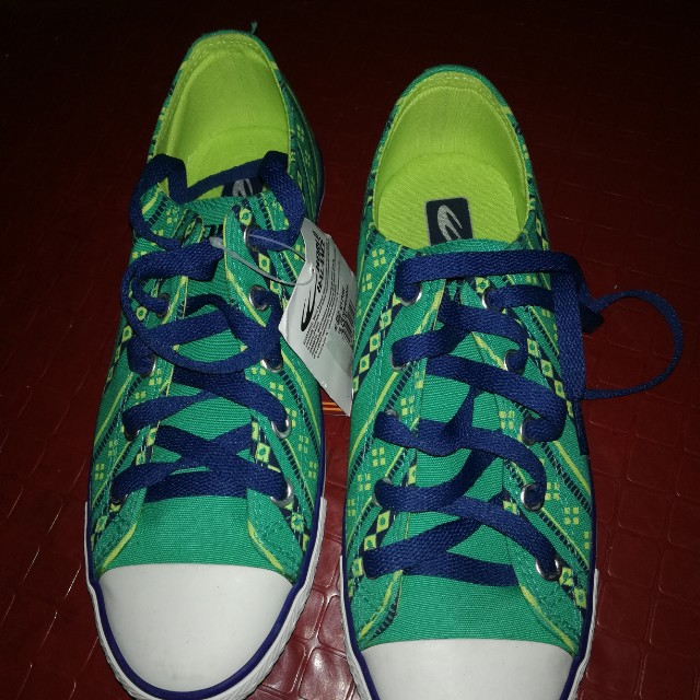 Brandnew rubber shoes