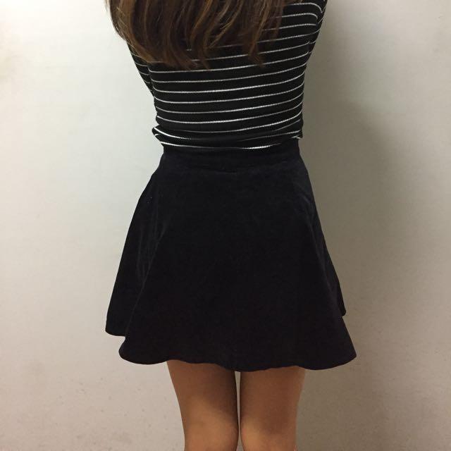 Brandy Melville可愛黑色短裙