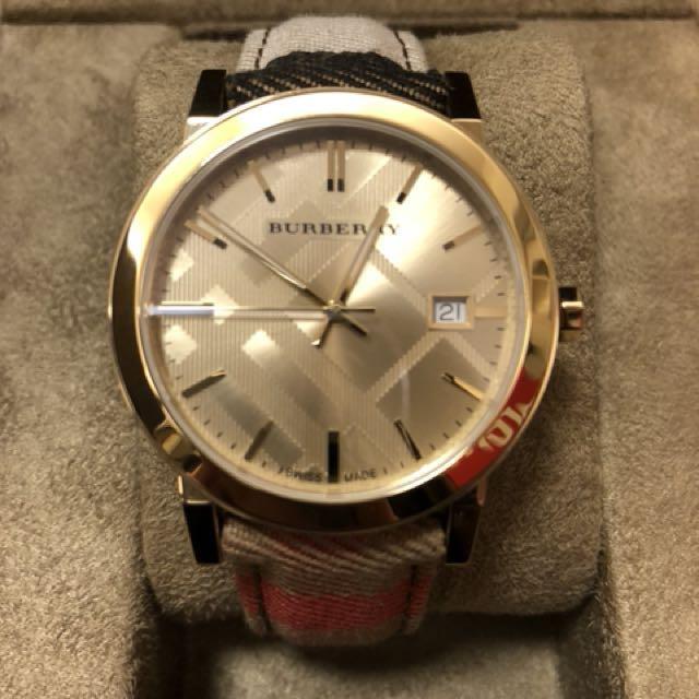 Burberry 經典熱賣款中性皮帶錶
