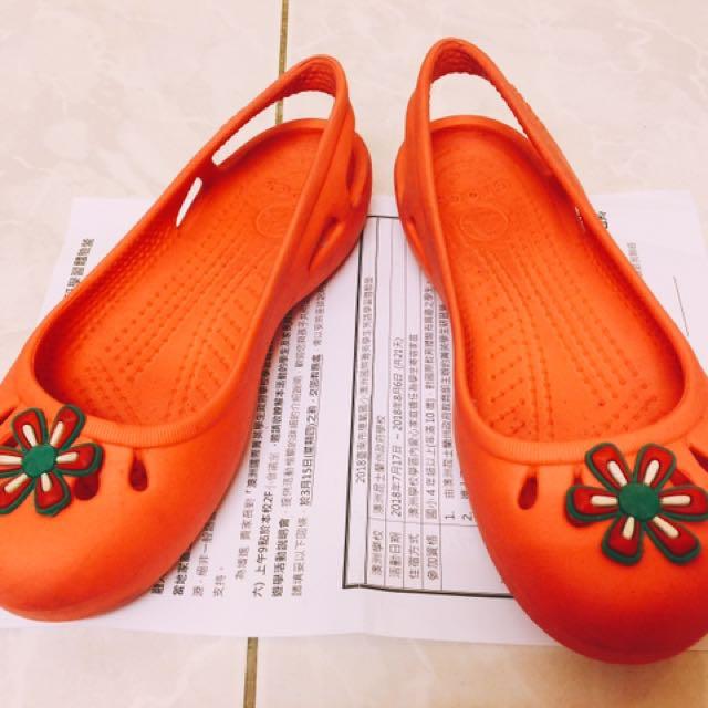 二手專櫃正品crocs卡駱馳娃娃鞋 #附可愛花花鞋扣