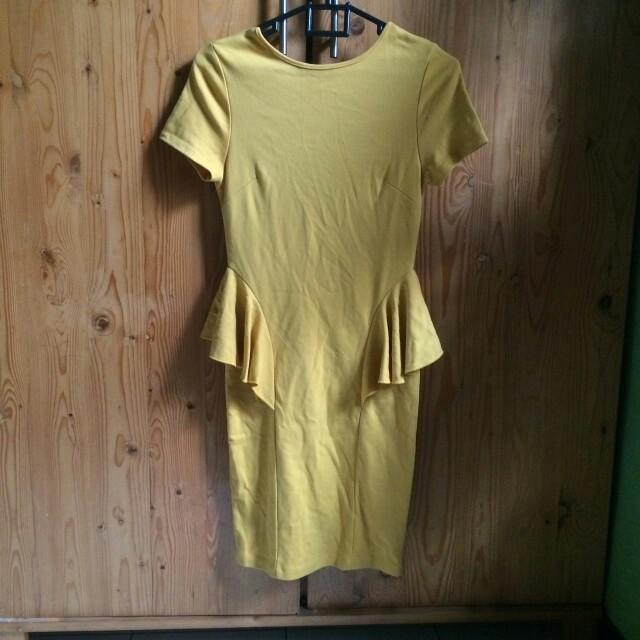 Dress peplum kuning