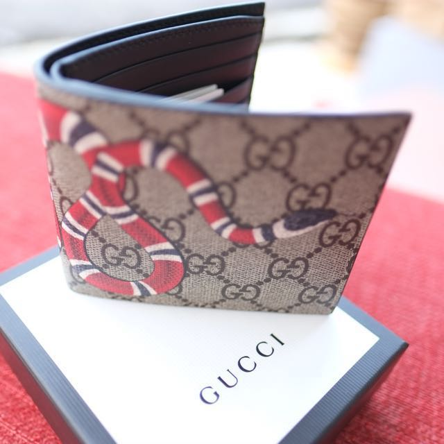 42f4e2930e6e8a GUCCI Kingsnake print GG Supreme wallet, Women's Fashion, Bags & Wallets on  Carousell