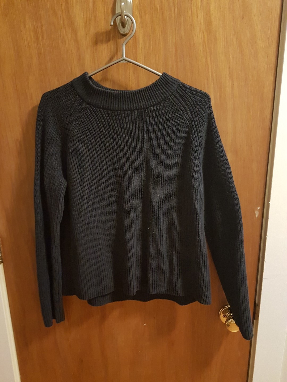 H&M Navy Blue Knit Sweater