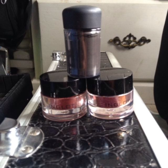 Mac and inglot loose pigments