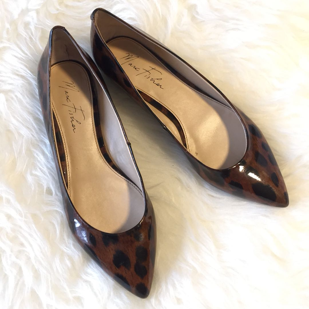 Marc Fisher Flats Size 8