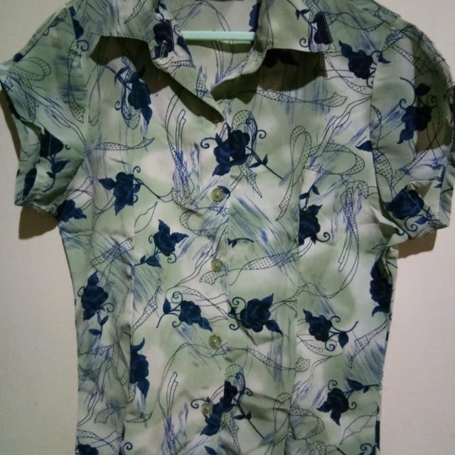 Navy green flower top