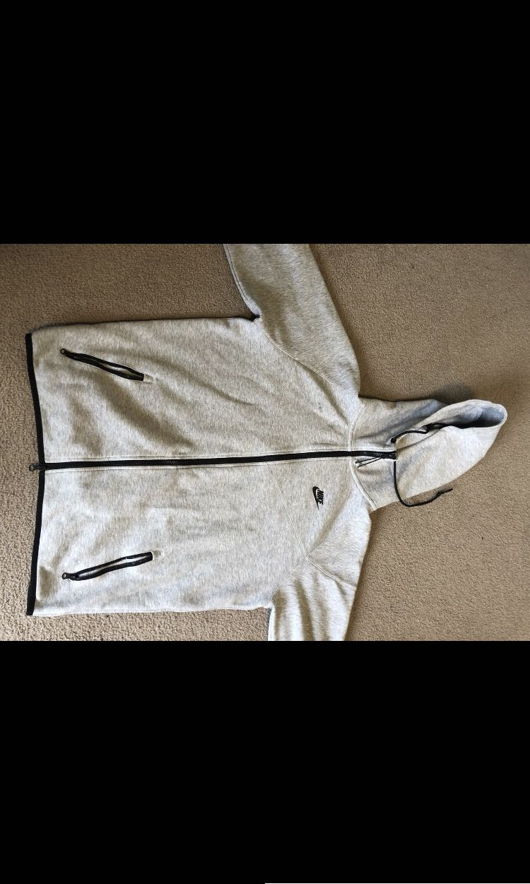 Nike tech fleece hoodie grey