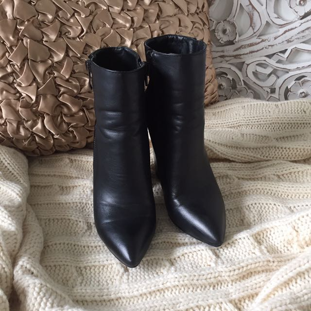 Pointed Black Boots