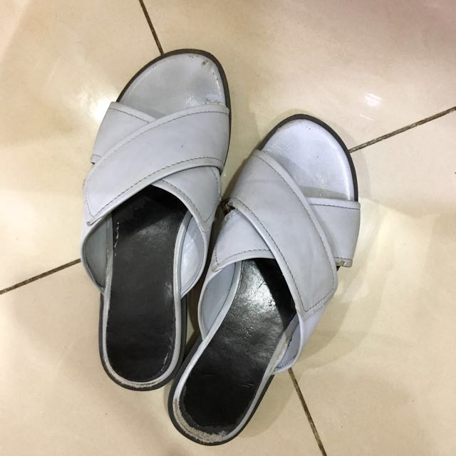 Re-priced sandal Charles And Keith