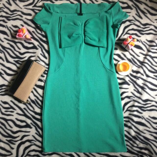 Ribbon sabrina dress