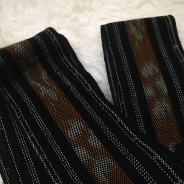 Selendang Tenun Toraja