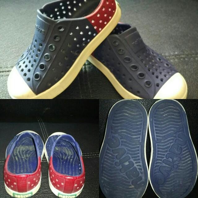 Sepatu Native