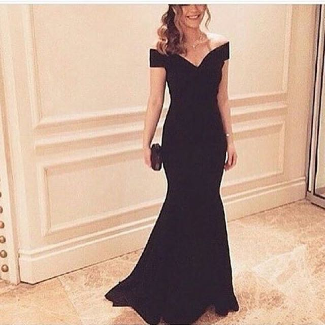 Serpentine black evening gown