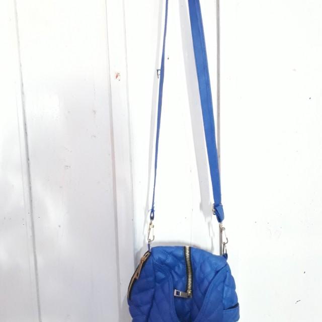 Slingbag Biru