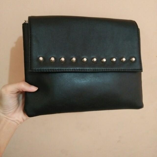slingbag hitam (adorableprojects)
