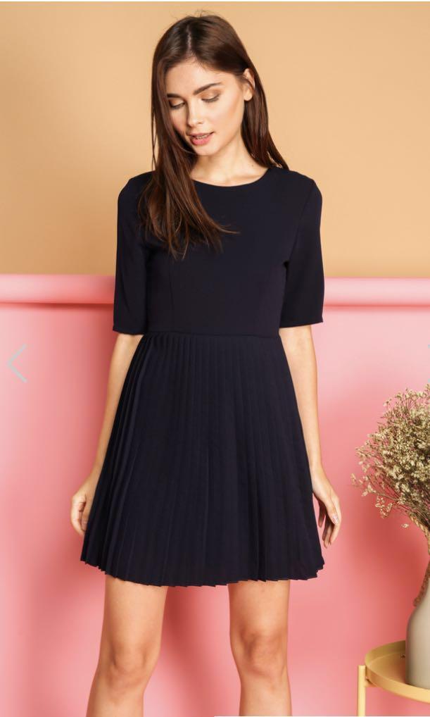 04035789522 TSW BN Bernadette Pleated Dress in Navy, Women's Fashion, Clothes ...