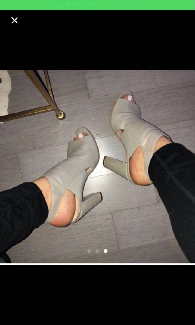 Vince Camuto heels 6.5