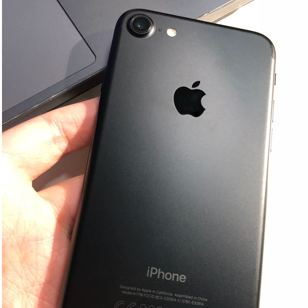 WTS: iPhone 7, 128GB (Black) *GREAT AS BRAND NEW!*, Mobile