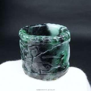 🚚 珍珠林~福氣耋耋而來 緬甸蝴蝶翠玉板指(戒)立體老工雕法.難得美件#375