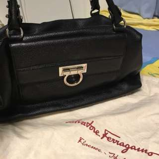 經典款Ferragamo手提袋