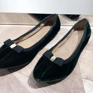 Ferragamo Logo style Flat Shoes