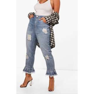 Ruffle Ripped Jeans (PLUS SIZE)