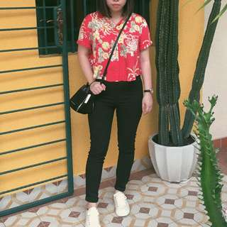 f21 cropped floral shirt