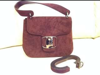 Salvatore Ferragamo suede leather handbag 麖皮手袋