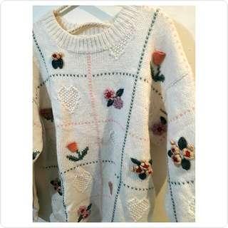古著 白色立體刺繡長版毛衣