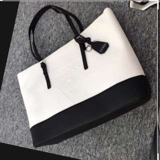Authentic Guess Tote Shoulder Bag Black & White