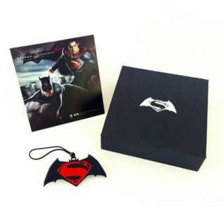 Batman VS Superman Ezlink charm