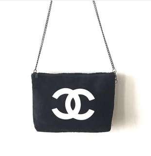 Chanel Slingbag Fur White Logo VIP GIFT AUTHENTIC‼️