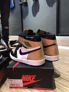 Nike Jordan 1 Gold Toe