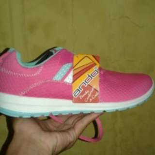 I03 Sneakers pink
